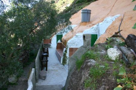 Cheap houses for sale in Canary Islands. Cave House Guayadeque
