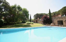 Residential for sale in Madrid. Villa with a pool, a garden and a terrace, Boadilla del Monte, Spain