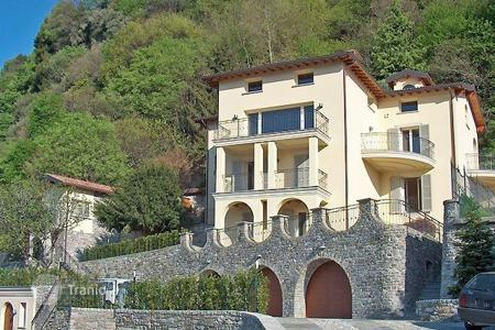 Luxury 6 bedroom houses for sale in Italian Lakes. Villa – Lake Como, Lombardy, Italy