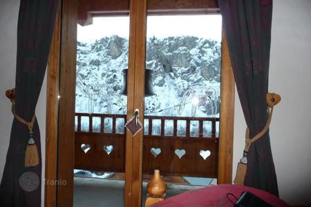 Cheap chalets for sale in Europe. Charming Chalet with terrace