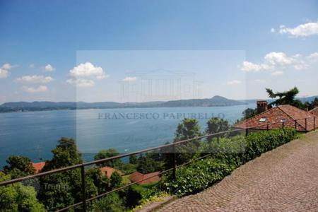 2 bedroom apartments for sale in Maggiore (Italy). Apartment – Belgirate, Piedmont, Italy