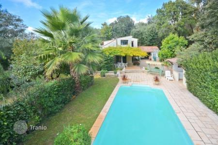 Houses for sale in Opio. Villa – Opio, Côte d'Azur (French Riviera), France