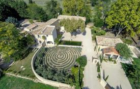Lourmarin — Authentic Bastide. Price on request