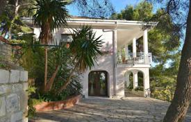 Coastal residential for sale in Cervo. Villa in Cervo, Italy