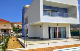 Houses with pools for sale in Dalmatia. Newly built modern Villa near Trogir