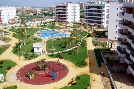 Coastal apartments for sale in Elche. Apartments of 2 bedrooms in a complex with pool close to the beach in Arenales del Sol
