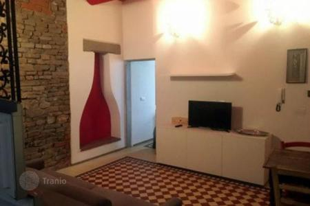 1 bedroom apartments for sale in Tuscany. Renovated one-bedroom apartment in a small building, Florence, Italy. Negotiable price