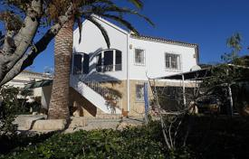Houses for sale in Jalón. 4 bedroom villa with private pool, 1250 m² plot and panoramic mountain views in Jalón/ Xaló