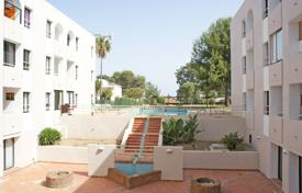 Cheap apartments for sale in Andalusia. Lovely south-facing apartment in Royal Golf with communal gardens and pool