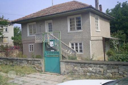 Cheap houses for sale in Veliko Tarnovo. Townhome – Veliko Tarnovo (city), Veliko Tarnovo, Bulgaria