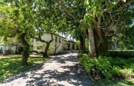 Townhome – South Miami, Florida, USA for $815,000