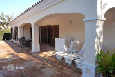 "4 bedroom houses for sale in Buron. Villa in the ""D"" zone, Middle Sotogrande"