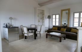 2 bedroom villas and houses to rent in Provence - Alpes - Cote d'Azur. Detached house – Provence — Alpes — Cote d'Azur, France