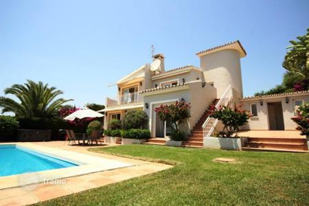 4 bedroom houses for sale in Marbella. Villa – Marbella, Andalusia, Spain