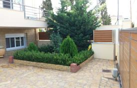 3 bedroom houses by the sea for sale in Peloponnese. Detached house – Loutraki, Administration of the Peloponnese, Western Greece and the Ionian Islands, Greece