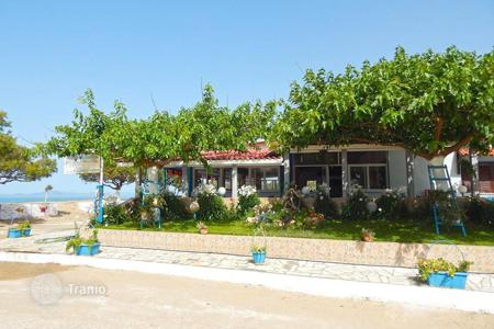 Coastal commercial property in Greece. Seaside restaurant 250sqm, within a plot of 500sqm
