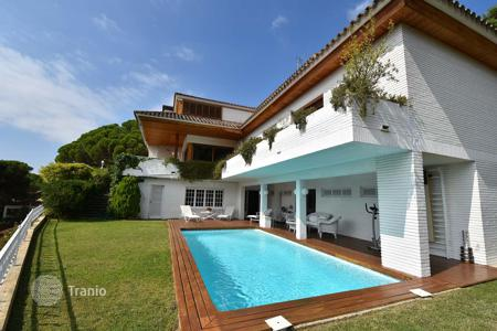 Luxury property for sale in Costa del Maresme. Villa - Cabrils, Catalonia, Spain