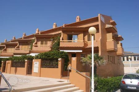 Townhouses for sale in Valencia. Townhouse in Perelló, Valencia