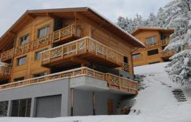 5 bedroom villas and houses to rent in Valais. Chalet – Montana, Valais, Switzerland
