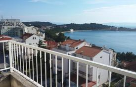 Apartments for sale in Split-Dalmatia County. Two bedroom apartment in beautiful Makarska