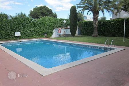 Coastal property for sale in Torredembarra. Terraced house – Torredembarra, Catalonia, Spain