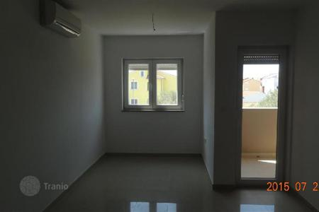 Cheap apartments for sale in Fažana. Apartment NEW BUILDING, PEROJ