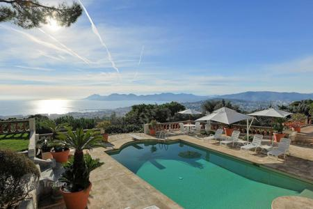 Coastal villas and houses for rent in Cannes. Wonderful property, Cannes