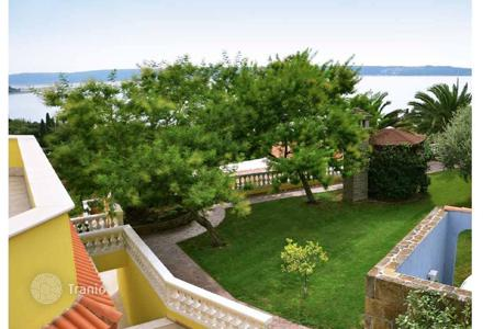 Luxury houses with pools for sale in Piran. Villa on the Slovenian coast. Fire sale!