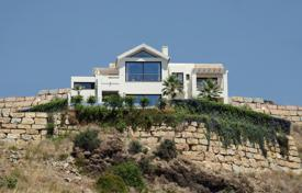 5 bedroom houses for sale in Benahavis. Spectacular Villa in El Mirador del Paraiso, Benahavis