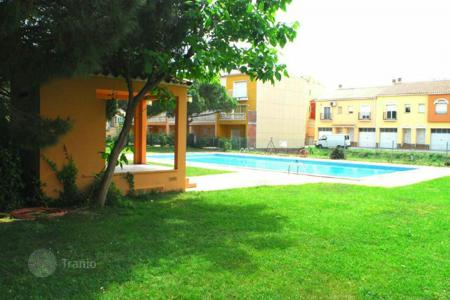 Apartments with pools for sale in Empuriabrava. Apartment – Empuriabrava, Catalonia, Spain