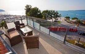 3 bedroom apartments by the sea for sale in Slovenia. Penthouse – Koper, Obalno-Cabinet, Slovenia