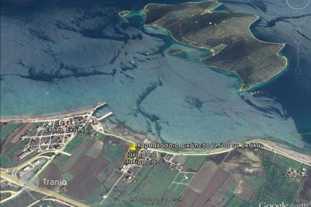 Development land for sale in Trikala. Skala Atalante, Fthiotida. Seaside plot of 7,500 sqm, within the village plans is for sale