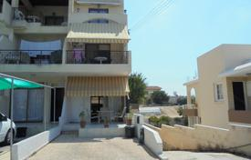 2 bedroom houses by the sea for sale in Paphos (city). Two Bed Townhouse with Parking Yeroskipou