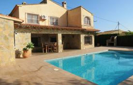 6 bedroom houses for sale in Valencia. Villa of 6 bedrooms with private pool terrace and bbq area in Benissa