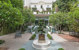 Residential to rent overseas. Stunning Villa, Heart of Cannes