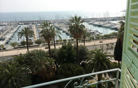 3 bedroom apartments by the sea for sale in Côte d'Azur (French Riviera). Apartment – Menton, Côte d'Azur (French Riviera), France