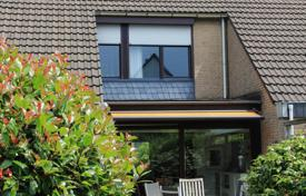 Property for sale in North Rhine-Westphalia. Well-kept townhouse with a terrace and a garage, Mettmann, Germany