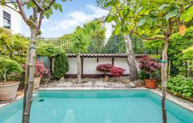 5 bedroom houses for sale in Ile-de-France. Boulogne North – An exceptional property in a sought-after neighbourhood near Roland Garros, home to the French Open