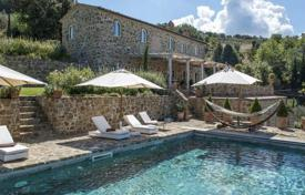 Luxury 3 bedroom houses for sale in Tuscany. Villa – Montalcino, Tuscany, Italy