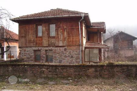 Cheap 2 bedroom houses for sale in Lovech. Detached house – Lovech, Bulgaria