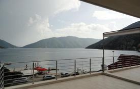 2 bedroom apartments for sale in Kotor (city). Modern two bedroom apartment on the 3ed floor of new building in Risan. Location is at the very first line to the sea