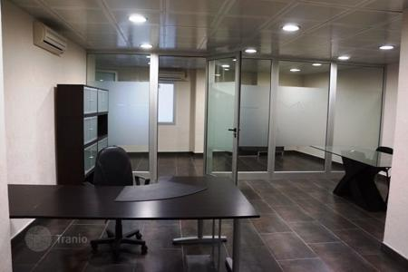 Cheap offices for sale in Spain. Office in shopping center