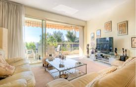 3 bedroom apartments by the sea for sale in Antibes. Apartment – Antibes, Côte d'Azur (French Riviera), France