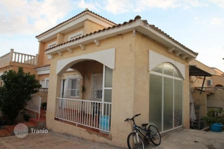 Cheap chalets for sale in La Nucia. Chalet – La Nucia, Valencia, Spain