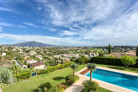 Luxury 6 bedroom houses for sale in Andalusia. Exceptional Villa with Sea View? El Paraiso Alto