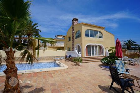 6 bedroom houses for sale in Europe. Two-storey villa with pool and sea views in Calp, Alicante, Costa Blanca