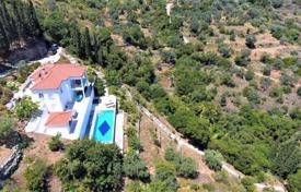 Houses With Pools For Overseas