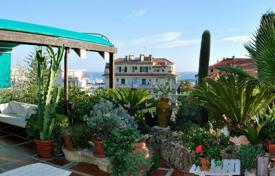 Luxury penthouses for sale in Liguria. Charming penthouse with terrace-garden and panoramic views of San Remo and the sea