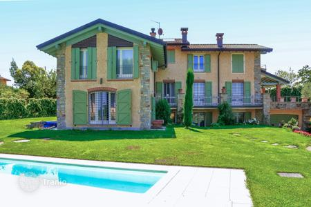 Luxury 6 bedroom houses for sale in Lombardy. Villa - Lombardy, Italy