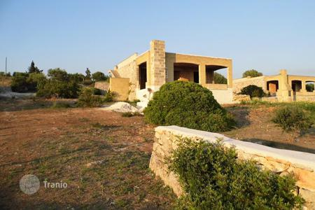 Residential for sale in Apulia. Spacious villa with a sea view, Torre Mozza, Italy